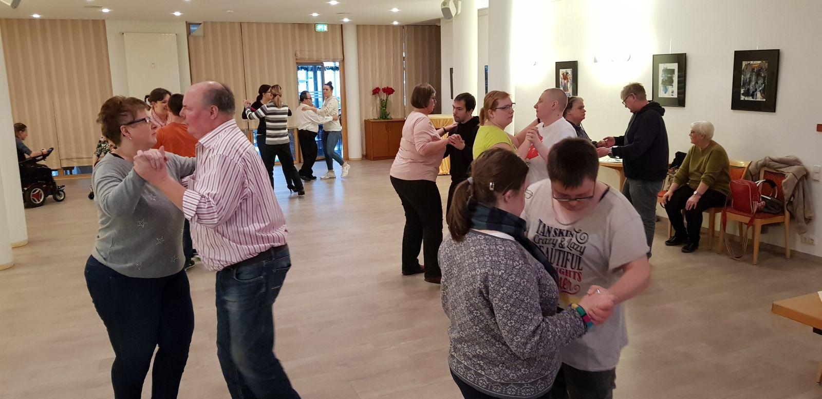 Lehrgang für inklusive Tanzepaare der Wettkampfserie 2020